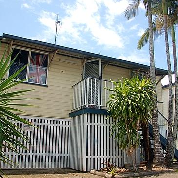Outside photo of 323 Draper Street share accommodation houseshare