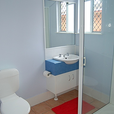 Bathroom at Cairns student accommodation